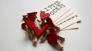 Mini Heart Pegs